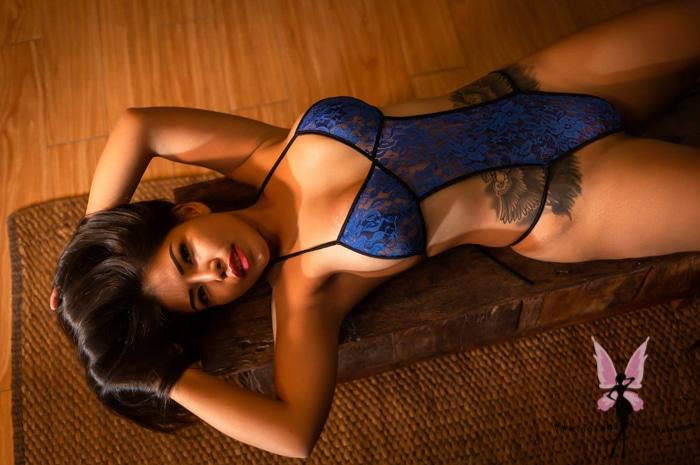 hot escort exotic